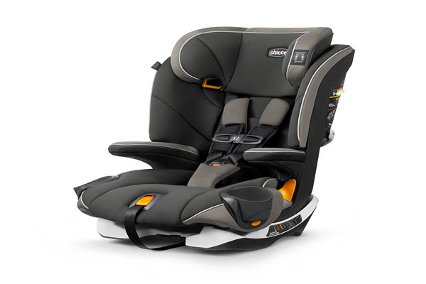 Booster Seats Equipped With 5 Point Harness